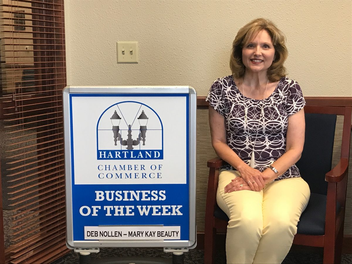 CONGRATULATIONS TO THE CHAMBER BUSINESS OF THE WEEK – MARY KAY BEAUTY CONSULTANT, DEB NOLLEN!