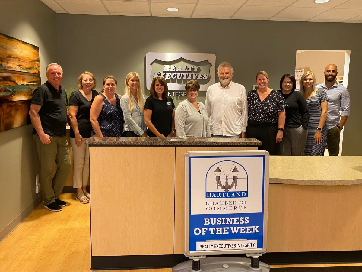 CONGRATULATIONS TO THE HARTLAND CHAMBER BUSINESS OF THE WEEK – REALTY EXECUTIVES INTEGRITY!